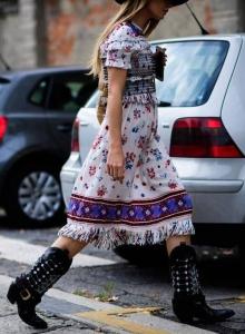2019 sokak modası trendleri kovboy çizmeleri