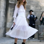 Beyaz elbise kovboy bot sokak stili 2019