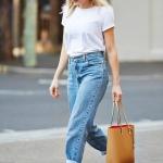Beyaz tişört mom jean kombini 2020