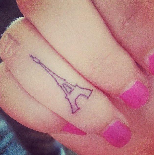 Eyfel parmak dövmesi