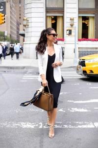 Siyah elbise beyaz blazer kombini 2019