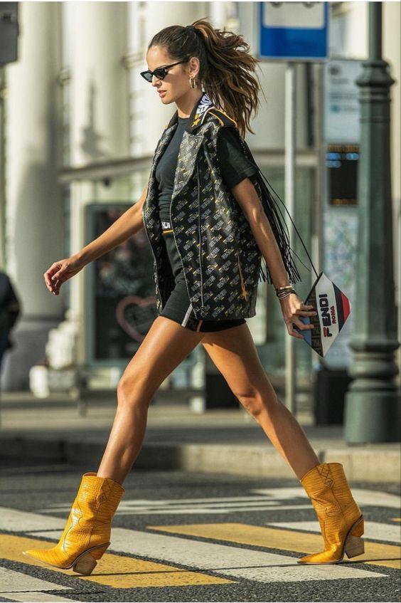 Sokak modası 2019 kovboy botları