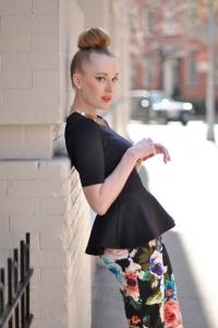 Sokak modası yüksek topuz saç modelleri 2019