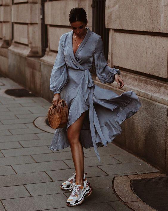 Spor ayakkabı elbise kombinleri 2019