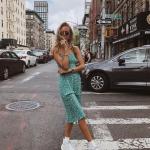 Spor ayakkabı yazlık elbise kombinleri 2020