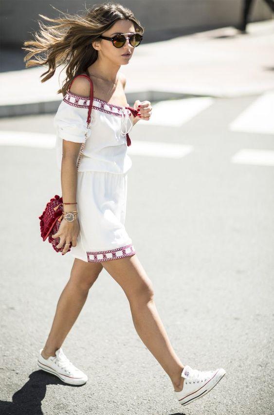 Yazlık beyaz elbise converse stili 2019