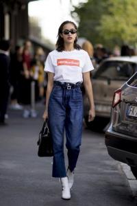 Yüksek bel pantolon tişört sokak stili 2019