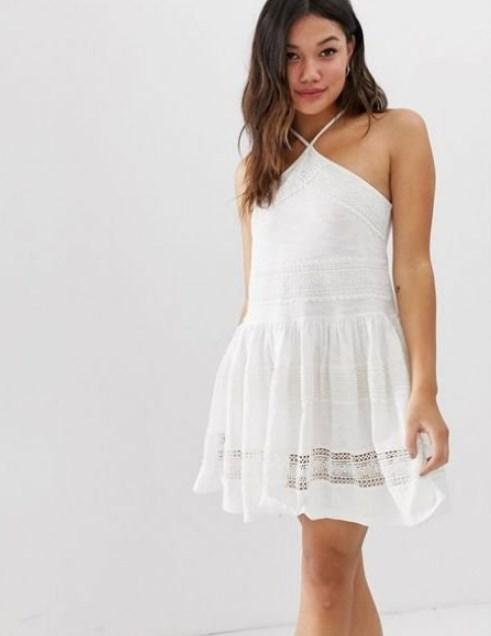 beyaz yazlık elbiseler 2019