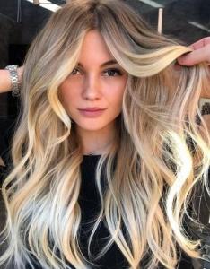 blonde balyaj saç rengi trendleri 2020