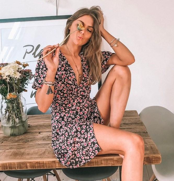 yazlık çiçek desenli elbiseler 2019 2020