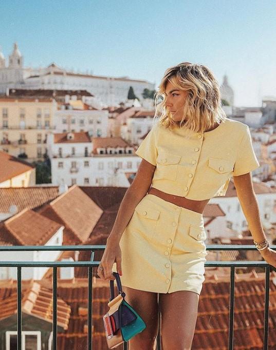 2019 yaz sarı kıyafetler ve kombinler