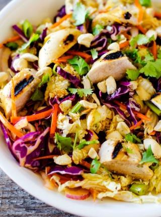 Glutensiz Tarifler Izgara Tavuk ile Mango Salatası