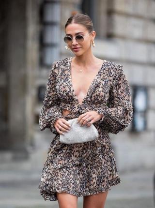 yan kesikli elbise modelleri 2020