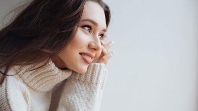 Photo of Beyaz Boğazlı Kazak Kadın Kombin