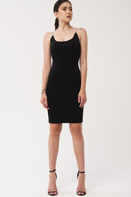Gümüş zincir askılı siyah elbise 2020