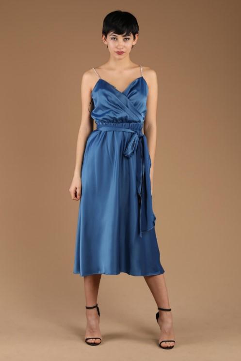 Mavi zincir askılı elbise 2020