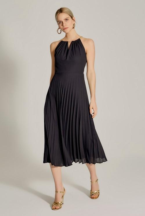 Zincir askılı siyah uzun elbise 2020