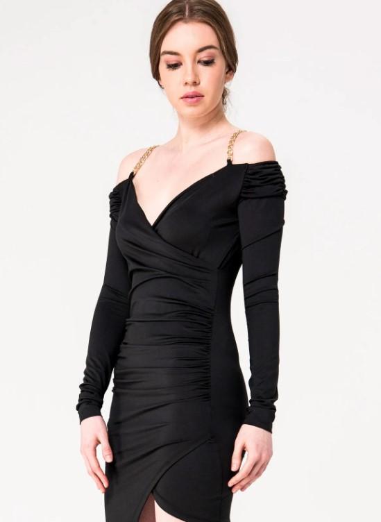 Zincir detaylı siyah dar elbise 2020
